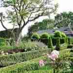 ruimtelijke tuindelen en tuinkamers in grote landelijke tuin florera.nl