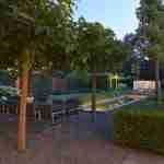 villatuin met tuinverlichting
