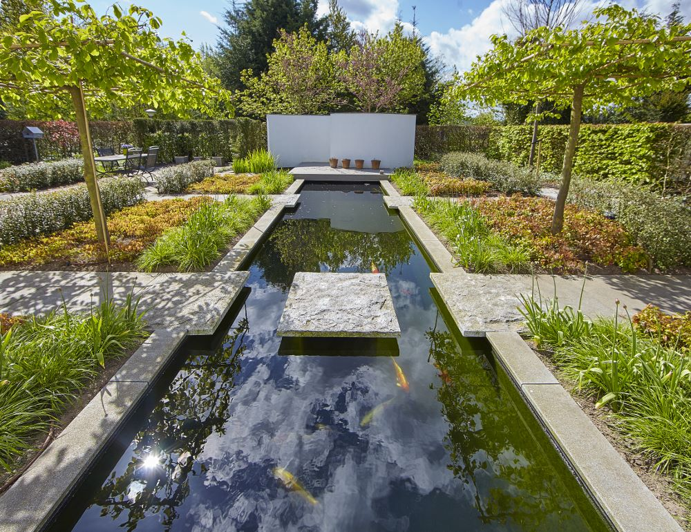 Water in de tuin waterelementen zwemvijvers florera