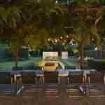 verlichting in moderne tuin.
