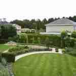 tuinstijl ronde vormgeving bij Méditerrane bungalow Nederland