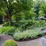 Al vele jaren ontwerpt Marjan de Koning met florera tuinen weergaloze unieke tuinen- florera.nl