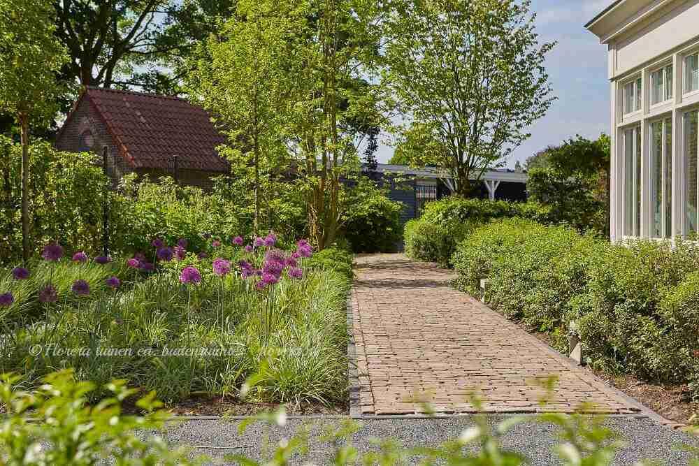 biodiversiteit in toekomstgerichte villatuin rondom kantoor Edufax Leende- florera.nl